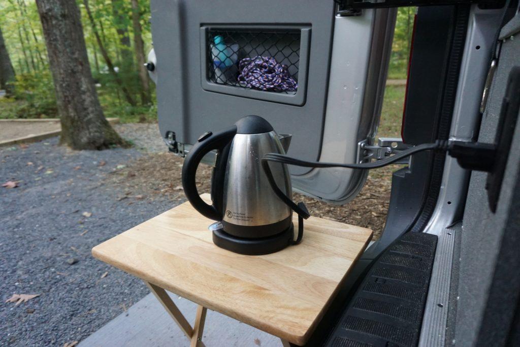 Water kettle running on power inverter